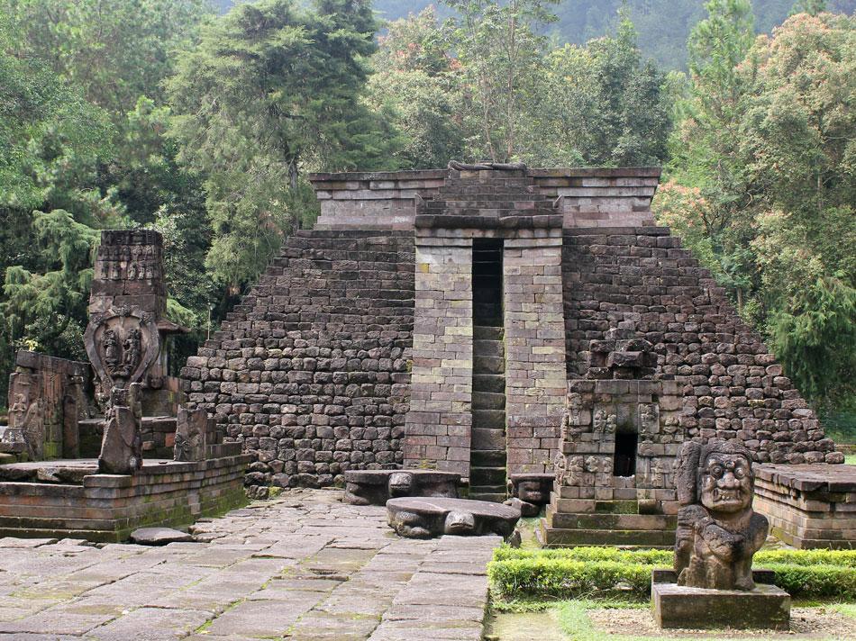 Resultado de imagem para piramide indonesia